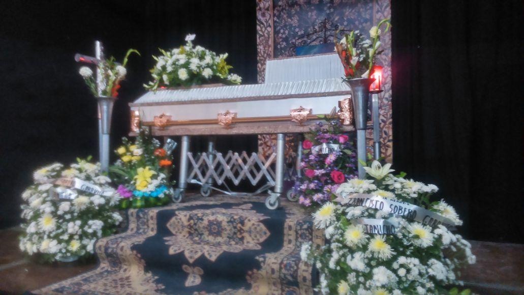Ofrendas florales para su último adiós